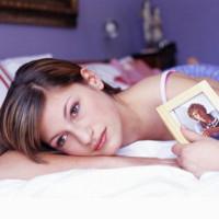 Как приворожить мужа в домашних условиях (сделать сильный приворот бывшего к жене на кольцо или постель)