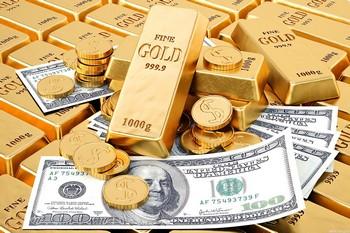 слитки золота и деньги