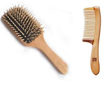 Деревянная расческа и деревянный гребешок