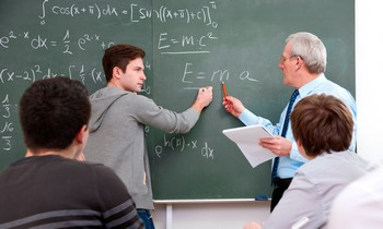 преподаватель и студент