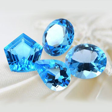 Четыре камня топаза