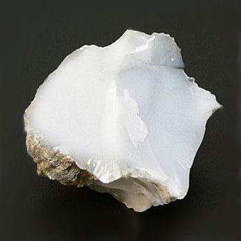 Камень талисман кахолонг