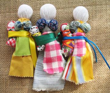 Три зольных куклы