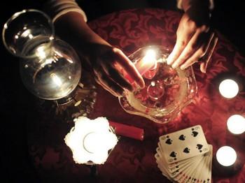 ритуал со свечой и водой