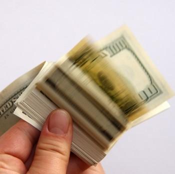 Как привлечь удачу и богатство с помощью рун?