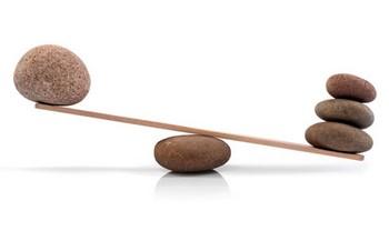 Весы из камней