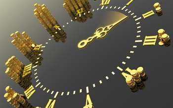 Часы с монетами денег