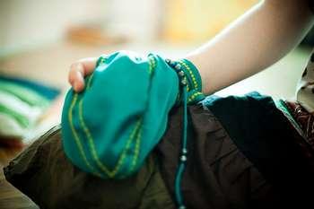 Девушка с мешочком
