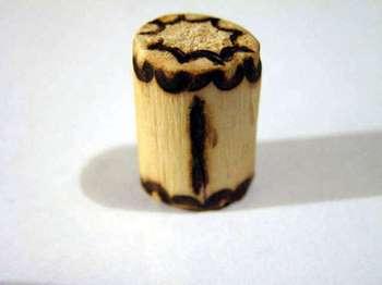 Деревянный бочонок с руной иса