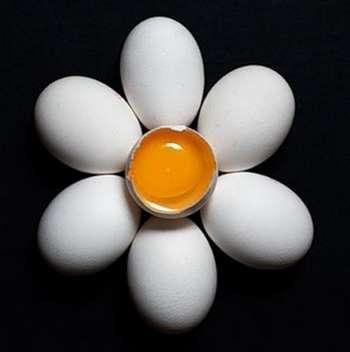 Как с помощью яйца избавиться от порчи?