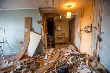Полная разруха в доме
