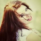 Яркая и эмоциональная девушка-Стрелец