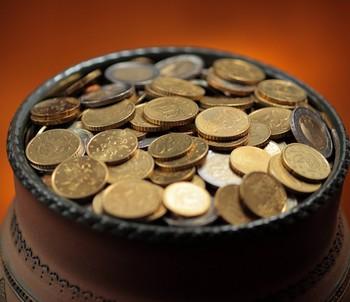 Горшок с монетами