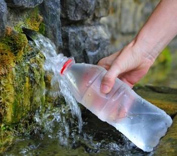 Набор родниковой воды в бутылку