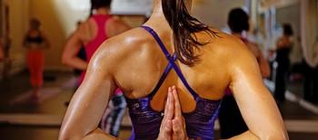техника Бикрам йоги