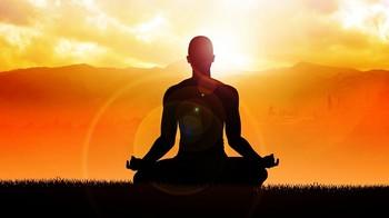 медитация на закате солнца