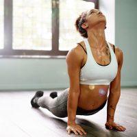 Горячая или Бикрам йога – упражнения для начинающих