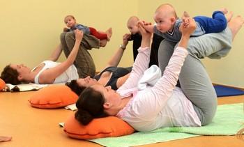 занятия бэби йоги
