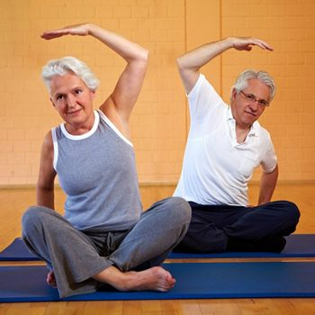 В чем состоит польза йоги для пожилых людей?
