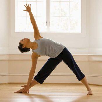 Как правильно выбрать одежду для йоги?