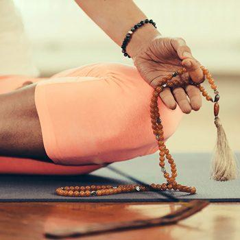 Что дает йога в физическом и духовном смысле?