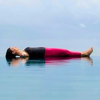 Медитация из положения лежа на спине