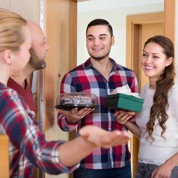 Как отвадить непрошенных гостей с помощью заговора?